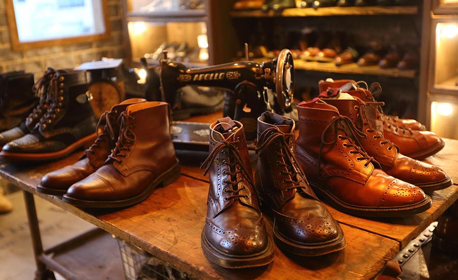 こだわりのある大人達の為に職人技が光るブーツやレザーシューズ