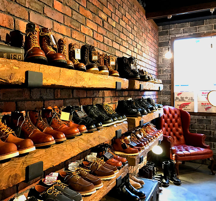 TRADITIONAL WORKS -footwear-